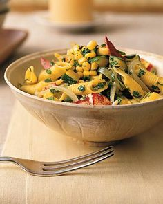 penne with lobster, corn, zucchini and arugula {use whole wheat or gf pasta) Good Food, Yummy Food, Tasty, Delicious Meals, Yummy Treats, Pasta Recipes, Cooking Recipes, Cooking Tips, Dessert Recipes