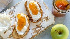Jablečný med je výborný i na toustu Food Categories, Breakfast Time, Avocado Egg, Healthy Recipes, Healthy Food, Eggs, Pudding, Med, Desserts