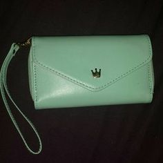 I just discovered this while shopping on Poshmark: S4 wallet case. Check it out!  Size: OS