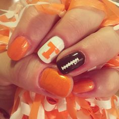 Football nails. Tennessee nails. Nail art.