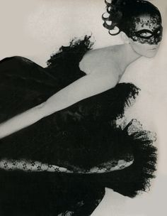 Photo by Gianni Penati for Vogue, 1967.