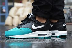 NIKE AIR MAX 1 GS (SPLIT PACK) | Sneaker Freaker