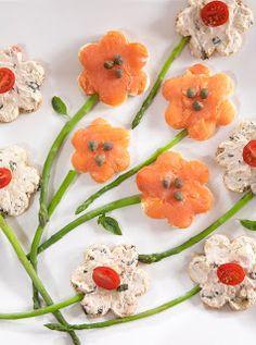 LisaKnowsTea: A Garden Tea Party-Hostess Tips