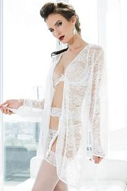 White Deadly Dame Lace Robe
