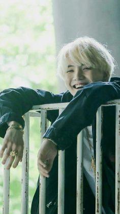 BTS (防弾少年団) - Min Yoongi (Suga)