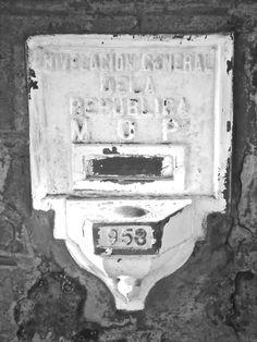 """""""El tren se va"""" Primera parte de la saga de estaciones de trenes abandonadas de Argentina. Museo Evita, Lafinur 2988, Capital. Martes a domingos de 11hs. a 19 hs. Ingreso hasta 30´ antes del cierre."""