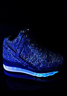Y.R.U. Black Qozmo Aiire Glitter Sneaker yew make the night come alive, babe. These sikk af sneakers feature a sparkly glitter body with light up soles so yew can own the night.
