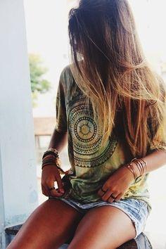 Mandala t-shirt, girl style, long hair |Boho chic bohemian boho style hippy hippie chic bohème vibe gypsy fashion indie folk yoga yogi womens fashion style