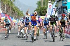 Theo Bos takes Stage 1 at the Tour of Turkey 2012.