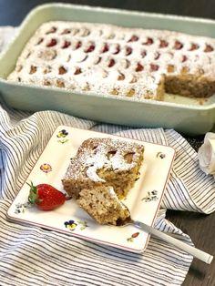 Κέικ ταψιού με τριμμένο αμύγδαλο και ραβέντι, χωρίς γλουτένη & χορτοφαγικό! – Gfhappy Gluten Free, Bread, Cake, Desserts, Food, Happy, Chef Recipes, Cooking, Glutenfree