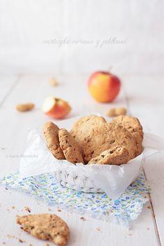 Jabłecznik stracciatella - Wiem co jem Cereal, Gluten Free, Fruit, Breakfast, Food, Label, Stone, Search, Polish Food Recipes