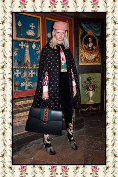 The complete Gucci Pre-Fall 2017 fashion show now on Vogue Runway. Gucci Pre Fall 2017, Gucci 2017, Fashion 2017, Runway Fashion, Fashion Show, Womens Fashion, Street Style, Colorful Fashion, Ideias Fashion