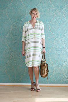 A fashion blog for women over 40 and mature women http://www.glamupyourlifestyle.com/  Dress: & other Stories Sandals: Dorothee Schumacher Bag: Chloé