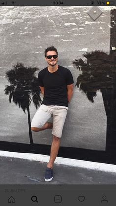 Mats Hummels White Jeans, White Shorts, Mats Hummels, Dfb Team, Man United, Football Players, Beautiful Men, Wine Cellar, Guys