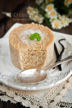Oat bran Vanilla Cake (Romanian Dessert): oat bran, milk, xylitol (or sugar, agave, etc) salt. Romanian Desserts, Romanian Food, Just Desserts, Delicious Desserts, Dessert Recipes, Oat Bran Recipes, Dukan Diet Recipes, Healthy Recipes, Vegetarian