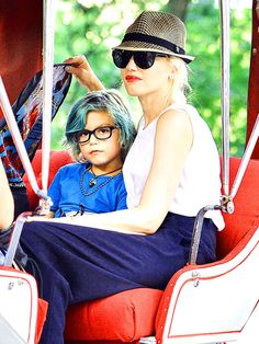 Gwen Stefani's little cutie, Kingston, rocked some adorable specs while enjoying a ride w/his shady mama in NYC