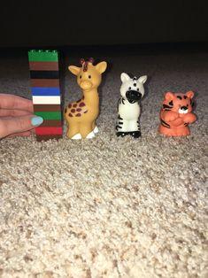 Preschool Math - Zoo theme! Measure animals by stacking leggos beside them