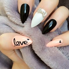 Fearless Stiletto Nail Art Designs, Stiletto nails are oval shaped nails that are more pointed than rounded at the tip, and are usually very long. They have been recently highlighted in . Pointy Nails, Stiletto Nail Art, Acrylic Nails, Nail Art Design 2017, Nail Art Designs, Fancy Nails, Love Nails, Trendy Nails, Uñas Fashion