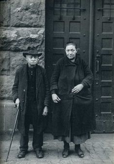 August Sander November 1876 – 20 April was a German portrait and documentary photographer. Sander's first book Face of our Time. Documentary Photographers, Great Photographers, Portrait Photographers, August Sander, Photography Career, People Photography, Photo Book, Photo Art, Portraits