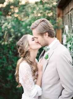 'Love Grows' - Organic, Farm-to-Table Wedding Inspiration - Chic Vintage Brides Gray Weddings, Romantic Weddings, Elegant Wedding, Rustic Wedding, Spring Weddings, Southern Weddings, Boho Wedding, Wedding Locations California, California Wedding