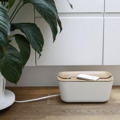 string renovar deco papeleras oficina diseño nórdico lamparas de mesa lámpara de estudio frem living espacio de trabajo despacho estudio cajas bandejas