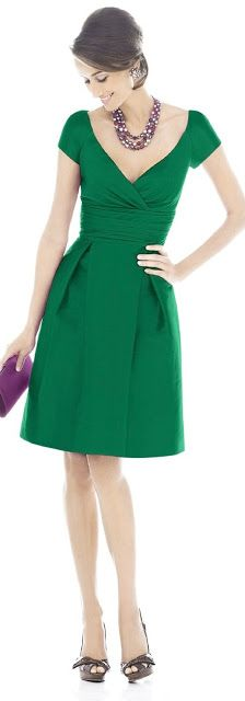Outfit Posts: outfit post: green dress, black pumps, black bib necklace