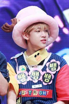 being cute ✈️ ( Yugyeom, Youngjae, Got 7 Bambam, Got7 Mark, Mark Tuan, Jinyoung, Rapper, Its Ya Boy, Young And Rich