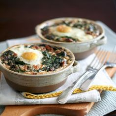 OMG, I am so excited about that one, I have to tell you about it NOW! I mean, SHOULD be outside watering plants at this point, but this just can't wait. This is the best, the most amazing, the awsomest breakfast creation EVER! It's breakfast cereal meets savory egg. It's spinach and nutmeg dancing the …