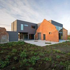 single family house in Belgium with titanium zinc façade