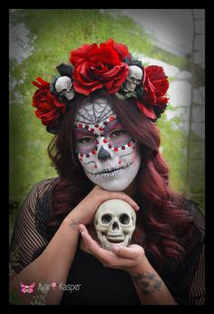 Skull and Rose Day of the Dead Crown - Skeleton Katrina Dia de los Muertos Red and Black Crown of Roses Headband Headdress Fascintor