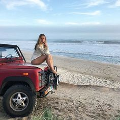 ❤️❤️@defendergirls  #landrover #landroverdefender #love #girl #girls #defender #summerlove #defenderlove #adventurethatislife #adventures #temptation #woman #look #pretty #beautiful #surf #beach...