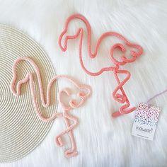 Cinderela 😍😍😍 . Arrasta pra ver os detalhes . . Encomendas e orçamentos - direct . . . #inquadri #cinderela #princesa #cinderella #disney… Wire Art, Diy Wreath, Kids Rugs, How To Make, Cord, Disney, Tropical Party, How To Make Crafts, Crochet Dresses
