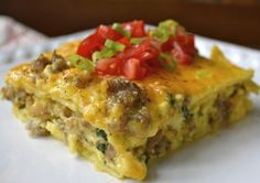 want to try: Sausage, Egg, and Spinach Overnight Casserole | FaveGlutenFreeRecipes.com - an easy gluten free make ahead breakfast recipes