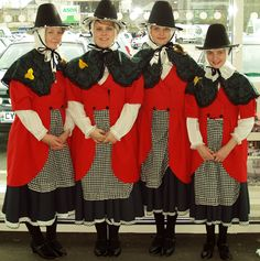 Llangefni, St David's Day March - Welsh Lasses in traditional costume Welsh Lady, European Costumes, Saint David's Day, Thinking Day, Folk Costume, People Of The World, Wool Dress, Historical Clothing, Traditional Dresses