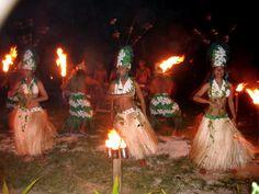 Samoan people dancing in a circle.