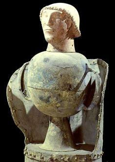 ***Urna canopo de Chiusi (S.VI a.C.), Florencia, Museo Arqueológico.