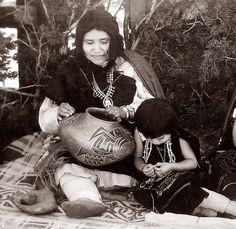 Native American ceramic artist Fannie Nampeyo, daughter of Nampeyo, grand matriarch of Hopi pottery