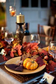 A Rustic Thanksgiving Tablescape