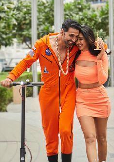 Bollywood Couples, Bollywood Celebrities, Red Leather, Leather Jacket, Kiara Advani, Akshay Kumar, Actresses, Jackets, Beautiful