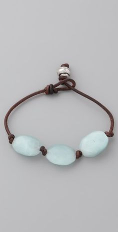 Club Monaco Seaglass & Leather Bracelet Good--I've been thinking about alternate ways to string & separate beads on leather Leather Jewelry, Beaded Jewelry, Jewelry Bracelets, Handmade Jewelry, Pandora Bracelets, Pandora Necklace, Simple Bracelets, Necklaces, Leather Bracelets