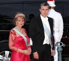 The Romanian Greek Key Tiara is one of the more unusual designs and can still be seen on the head of Crown Princess Margarit. Originally a Russian diadem Royal Tiaras, Tiaras And Crowns, Poltimore Tiara, Circlet, Royal Jewelry, World's Most Beautiful, Crown Jewels, Kate Middleton, Royalty