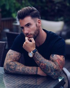 46 ideas hairstyles for school men guys for Hairstyles For School, Haircuts For Men, Trendy Hairstyles, Hot Guys Tattoos, Trendy Tattoos, Men With Tattoos, Unique Tattoos For Men, Motard Sexy, Sexy Tattooed Men