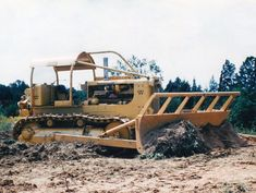 Rome KG land-clearing blade on a Caterpillar tractor, Dulles Airport, 1958 Chevy Trucks Older, Old Ford Trucks, Lifted Chevy Trucks, Pickup Trucks, Mining Equipment, Heavy Equipment, Earth Moving Equipment, Caterpillar Equipment, New Tractor