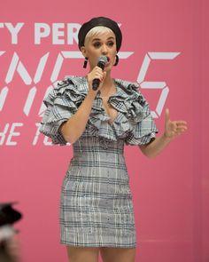 Purple Braids, Katy Perry Pictures, Celebrity Updates, Kate Winslet, Gospel Music, Celebs, Celebrities, Angelina Jolie, American Singers