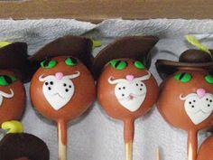 Festa Tema Shrek        Bolo de chocolate com creme de coco     Doces modelados Gato de Botas      Cake Pops Biscoito      Cake Pops Shrek  ...