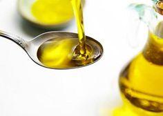 Que as hidratações feitas com óleos e manteigas são ótimas para o cabelo crespo (já falamos do Óleo de Argan e da Manteiga de Murumuru), todos nós sabemos, mas você sabe a diferença entre óleo mine…