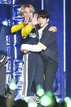 yugyeom and jinyoung Got7 Yugyeom, Got7 Jinyoung, Youngjae, Mark Jackson, Got7 Jackson, Jackson Wang, Jaebum, Korean Boy Bands, South Korean Boy Band