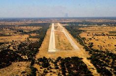 Ops into Angola during Bush War. SAAF into or out of here many times. Military Life, Military History, South African Air Force, Parachute Regiment, Defence Force, My Land, Aviation Art, Air Show, War Machine