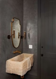 Home Interior Design The 9 Best 2020 Bathroom Trends We Wish We Had Right Now - Emily Henderson Classic Bathroom, Modern Bathroom, Funny Bathroom, Bathroom Mirrors, Bathroom Lighting, Earthy Bathroom, Parisian Bathroom, Colorful Bathroom, Minimalist Bathroom