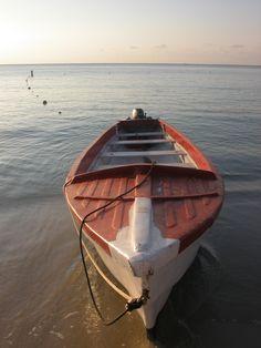 (credit ⚓ René Marie Photography) ⚓ Beach Cottage Life ⚓ Island of Roatan, Honduras